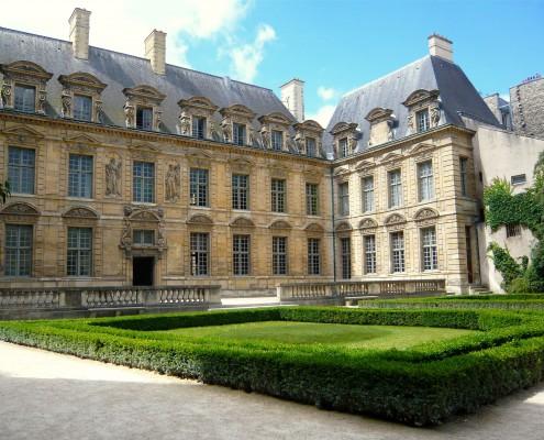 Le Marais Hotel de Sully