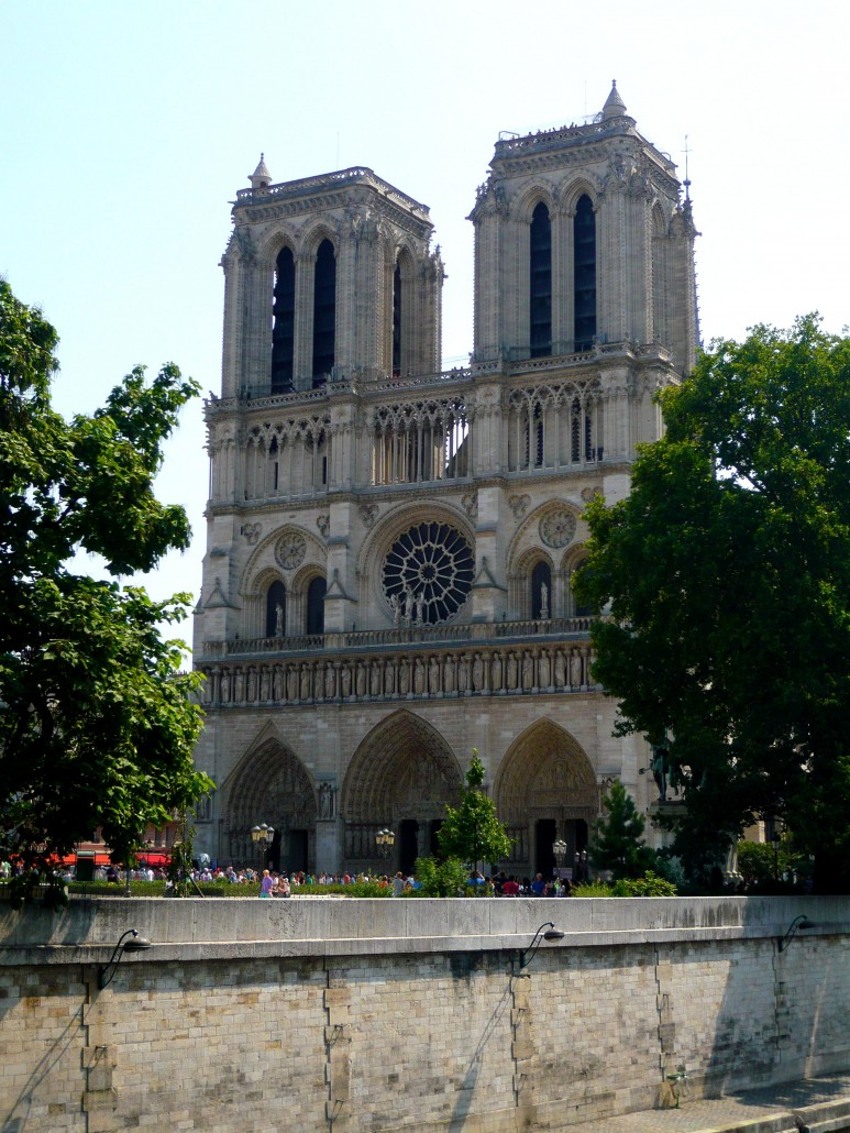 a study on the notre dame cathedral Notre dame cathedral (cathedrale de notre dame de paris) is a gothic cathedral in paris's fourth arrondissement original construction began in 1163, with the first stone supposedly laid in the presence of pope alexander iii.