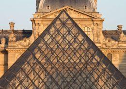Paris au fil de la Seine Louvre Pyramide du Louvre